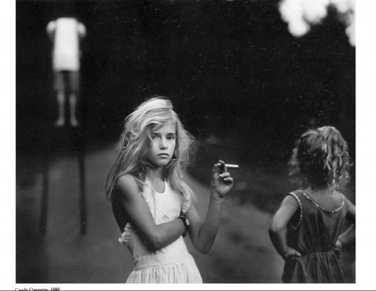 60b9f9378db3.jpg (JPEG Image, 1051x815 pixels) #photograph #cigarette #bw #girl
