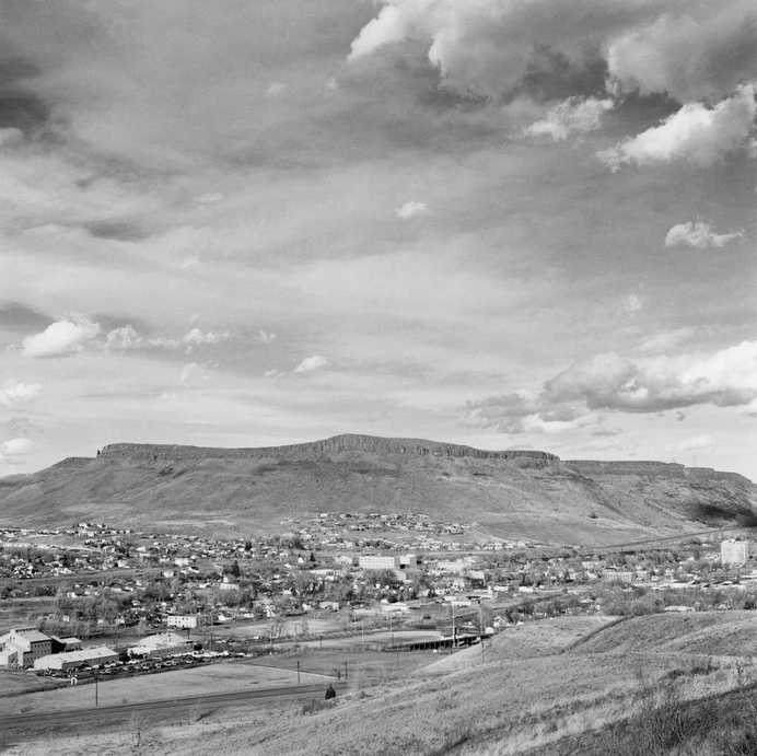Black and White Photography by Robert Adams #inspiration #white #black #photography #and