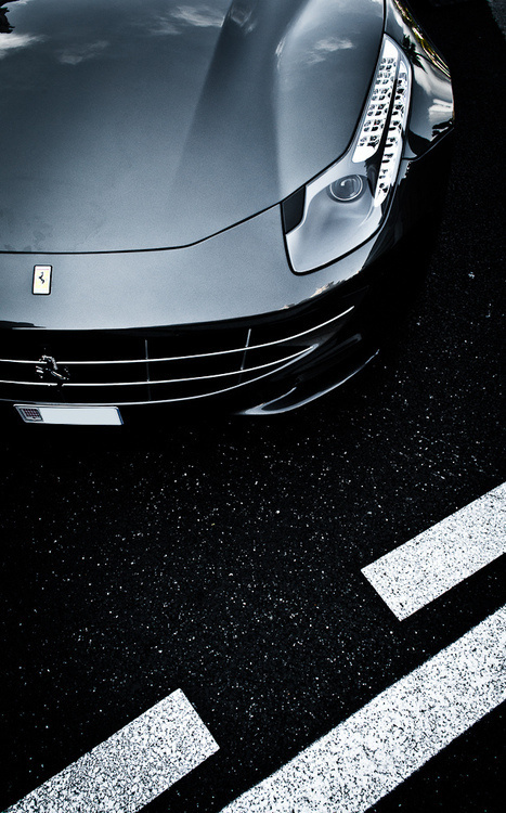 Industrial design(belly mode, byMax.photographiesviaautomotivated) #cars #ferrari #design