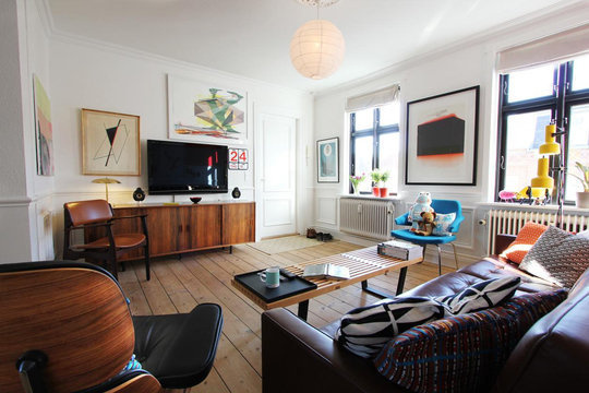 Share Your Small Cool Home with the World: Now Accepting Entries #living #room