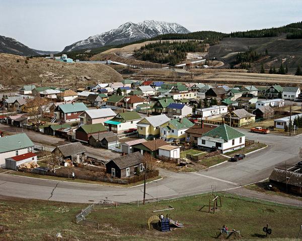 Edward Burtynsky HOMESTEADS Web Gallery #canada #burtynsky #format #large #photography #film #village
