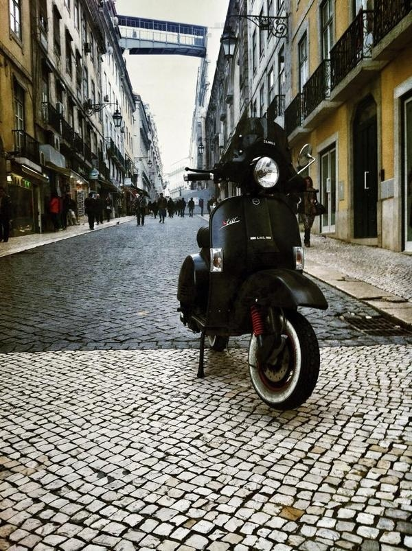 Mr. Tiago Barreiros Ride (& pic), you know Where. #wishlist #matt #black #vespa #moped