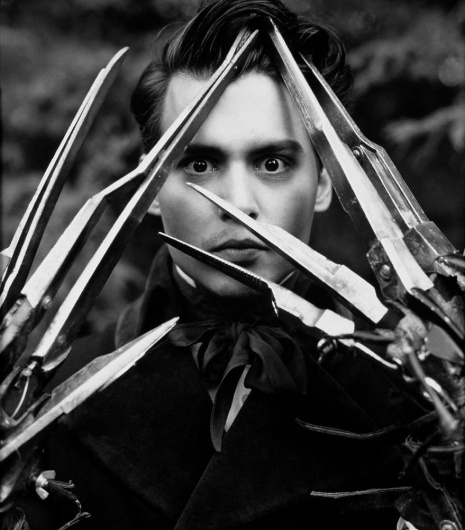 johnny_depp_herb_ritts_edward_scissorhands_4.jpg 879×1,000 pixels #white #tim #black #photography #and #burton