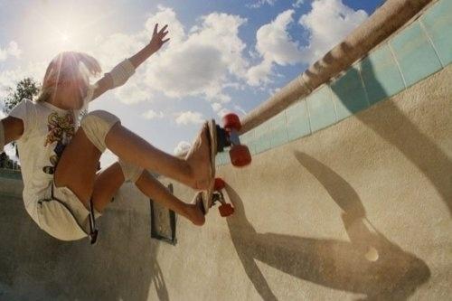 tumblr_li3vd9E6Nh1qecx09o1_500.jpg (JPEG Image, 500x333 pixels) #venice #skateboarding #70s #california