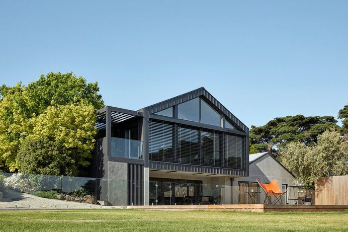 Modern Australian Homestead: Ceres Gable House by Tecture