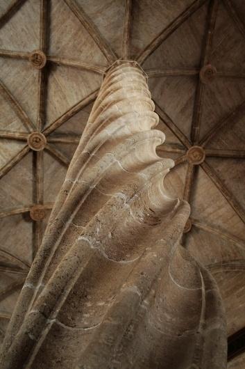 websitesarelovely #valencia #photography #architecture #pillar