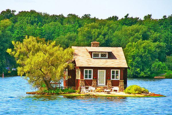 Lake Cottage, Thousand Islands, Canada #island #cottage #house