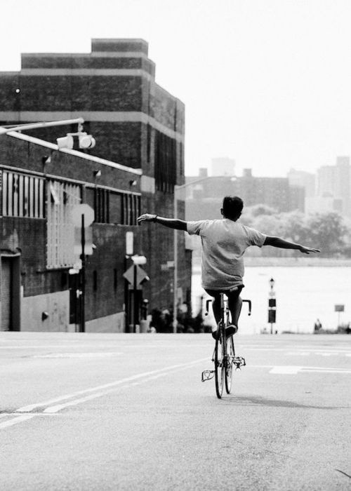 AnguSung #fixie #white #black #photography #bike