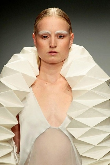 Reflections in Facets by Winde Rienstra #fashion