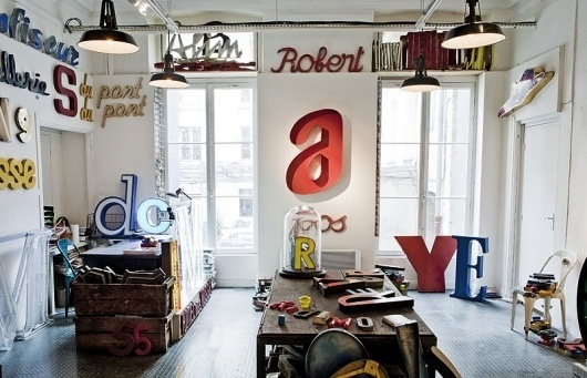 Graphic-ExchanGE - a selection of graphic projects #interior #design #typography