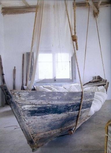 Morskie opowieÅ›ci - Å»ycie Rzeczy #relax #rope #dream #home #wood #sea #ship #pillows #blue #bad