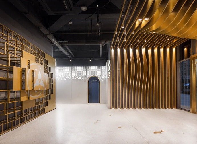 Seafood Restaurant Decor by Topos Design Clans - InteriorZine