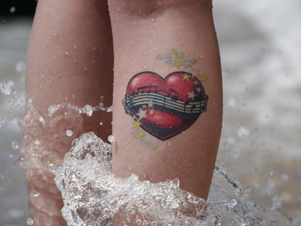 50 Incredible Leg Tattoos #heart #tattoo #leg