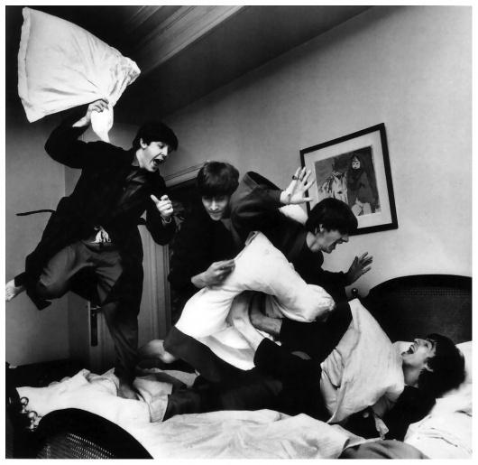 beatles-pillow-fight-by-harry-benson.jpg (1048×1019) #music