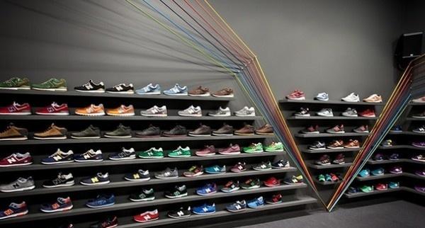 Polish Sneaker Store – Run Colors #interior #design