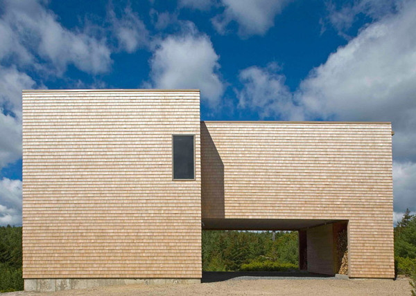 House in Maine by Bruce Norelius reveals age with fading cedar facade #minimal