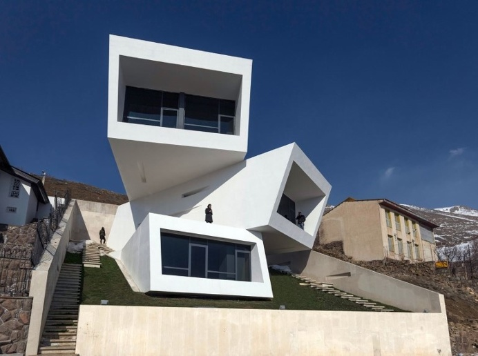 A House is Formed by Three Overlapping Boxes