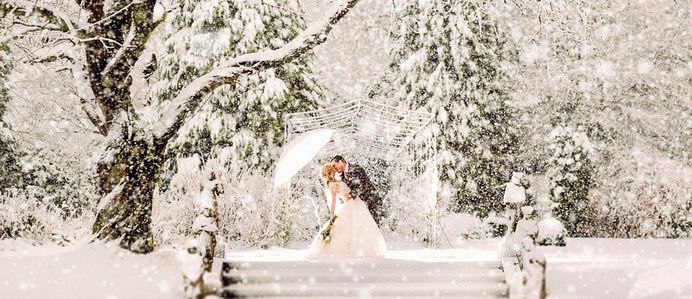 Winter wedding photo ideas are great and exclusive. The pictures with falling snow are so creative. It is a real fairytale for bride, groom and all guests. It is a special season to have your wedding.
