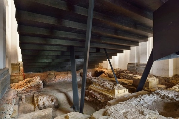 CJWHO ™ (Ptuj Performance Center, Slovenia by ENOTA The...) #restoration #slovenia #monastery #church #design #interiors #architecture