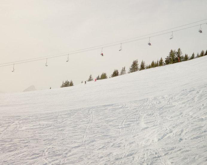 skis, piste, minimal, white, skiers, snow, white, graphic, landscape, ski lift, ski, empty #white #ski #graphic #snow #lift #landscape #piste #minimal #empty #skis #skiers