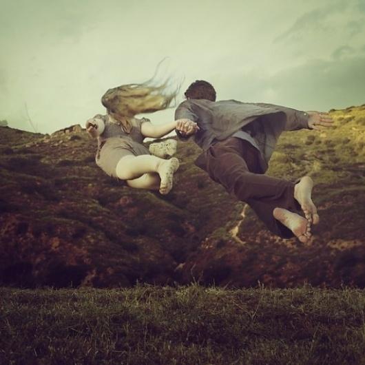 brooke-shaden22-550x550.jpg (550×550) #couple #landscape #flying #hands #honlind