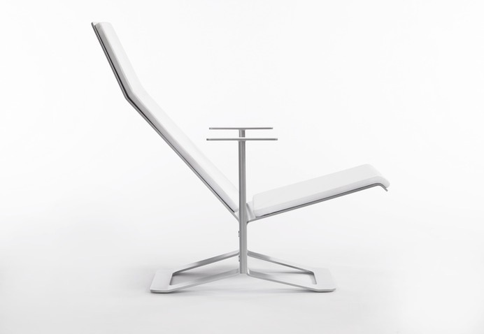 Workman Chaise by Harry Teng & Eunie Park