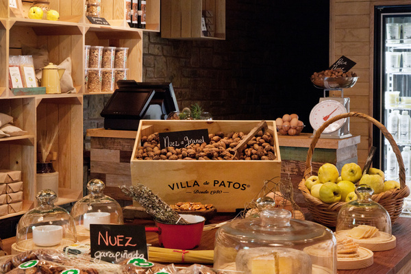VILLA DE PATOS – INTERIOR on Behance #interior #wood
