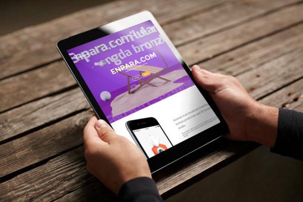 Free Photorealistic iPad Tablet Mockup PSD