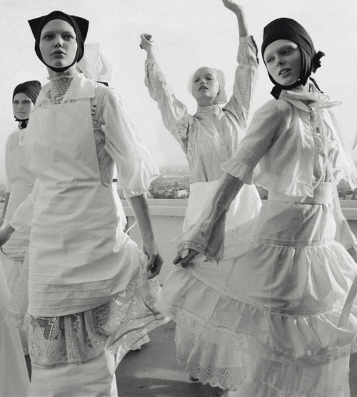 Organized Robots - Photography by Steven Meisel for Vogue Italia March 2006 #women #photography #fasion #dance