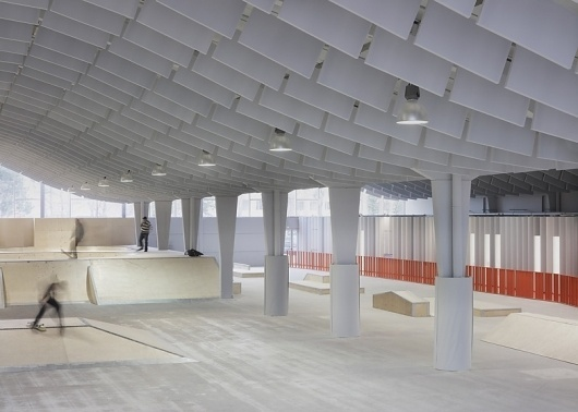 Dezeen » Blog Archive » Zap' Ados by Bang Architectes #interior #skateboarding #architecture #white