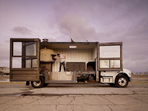 mobile pizza #truck #photography #food