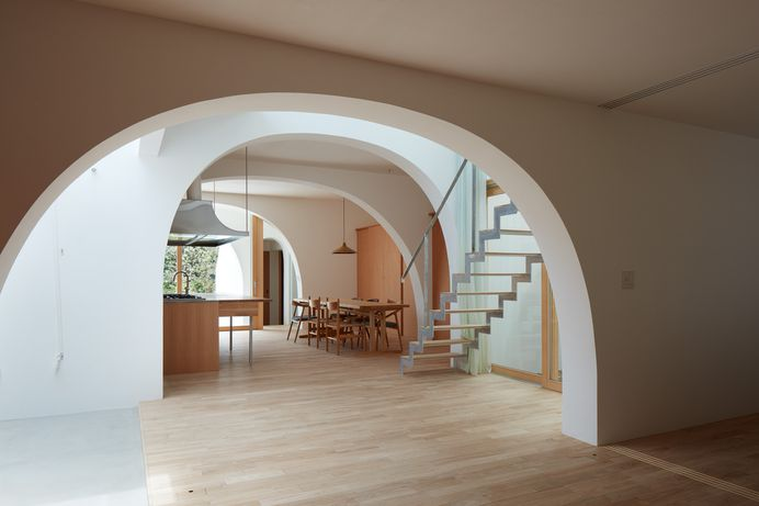 House in Tarumi by Tomohiro Hata Architect and Associates