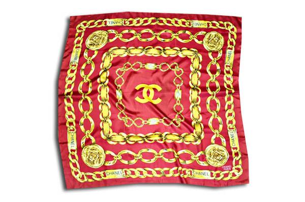 ChanelChainScarf #du #scarf #cambon #chain #chanel #gold #silk #rue