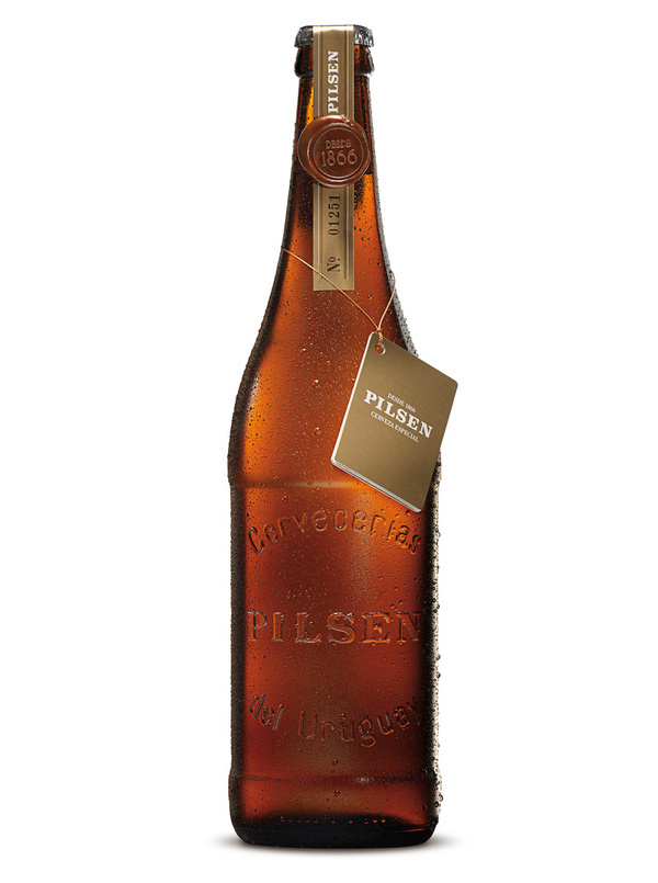 lovely package pilsen botella1 #packaging #glass #alcohol #bottle