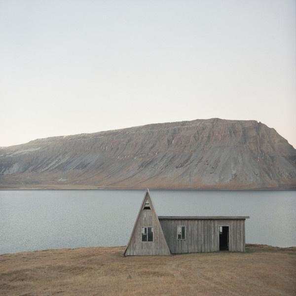 abandoned beauty #house #photo #landscape #abandoned #iceland