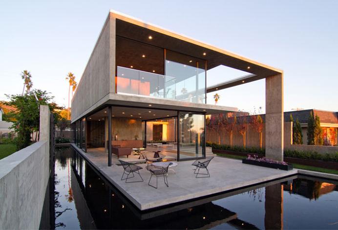 Modern Concrete Residence in California