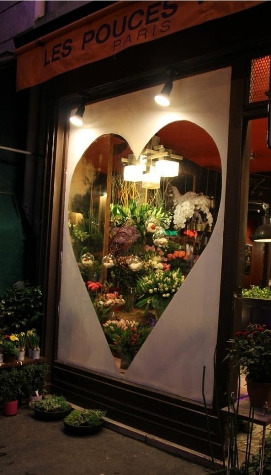 Window shopping in Paris love this!! #window #vinyl