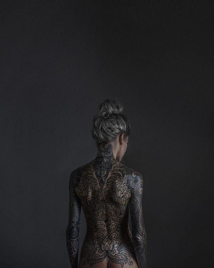 Fine Art and Dark Beauty Portrait Photography by Haris Nukem