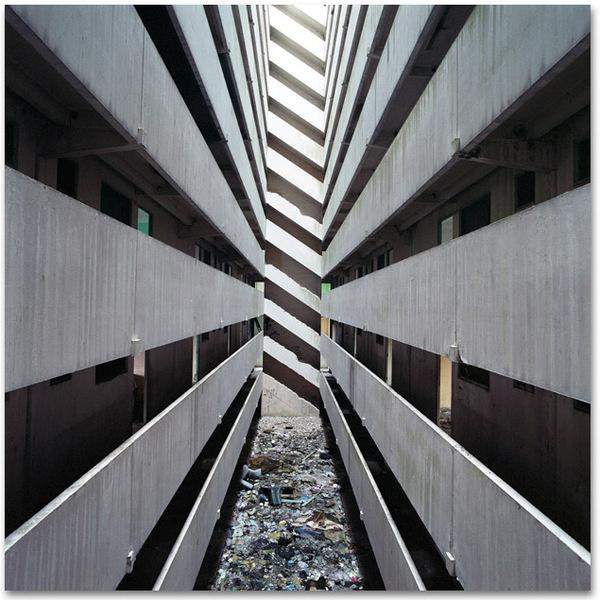 http://www.tochtermann.fr/files/gimgs/48_christiantochtermann 015.jpg #kuala #lumpur #structure #abandoned #architecture #pekelilling