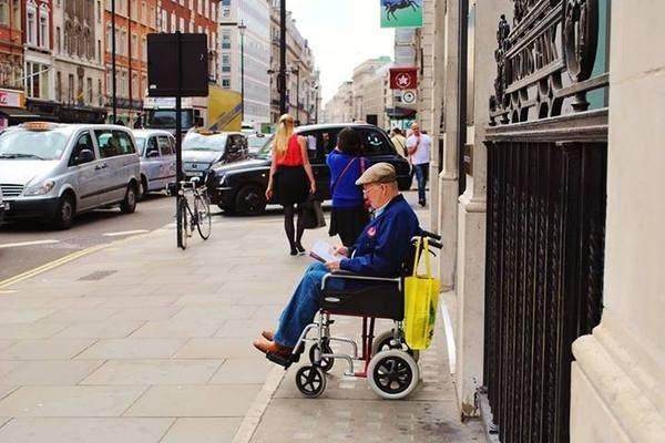 https://www.facebook.com/DavidWalbyPhotography #old #wallb #london #man #wheelchair