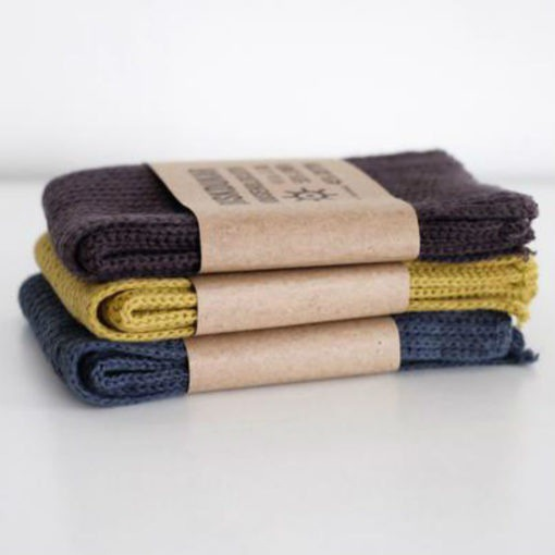 Swedish Dishcloth The Swedish Dishcloth is an ultra-absorbent and durable household cloth. Handmade in Sweden from 55% linen and 45% cotton, it is very practical to use around the house. It has natural antibacterial properties which makes it perfect for the kitchen.