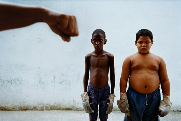 003_1220.jpg (805×540) #fight #school #portrait #boys