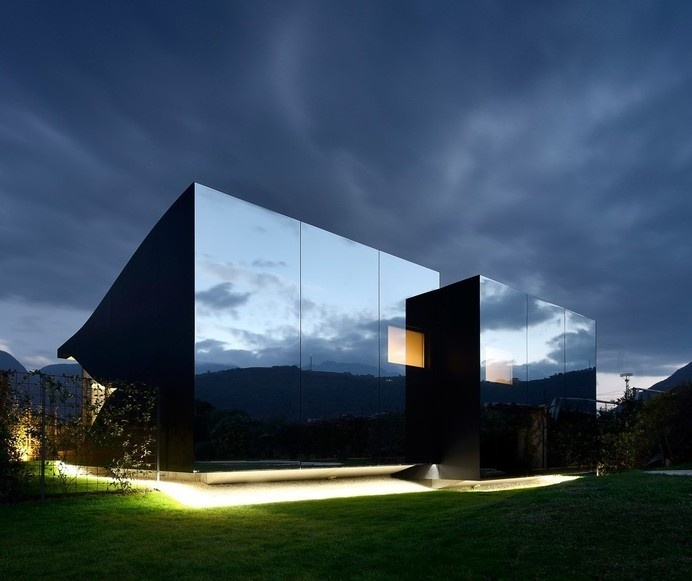 001 - Peter Pichler Architecture - Mirror Houses #architecture