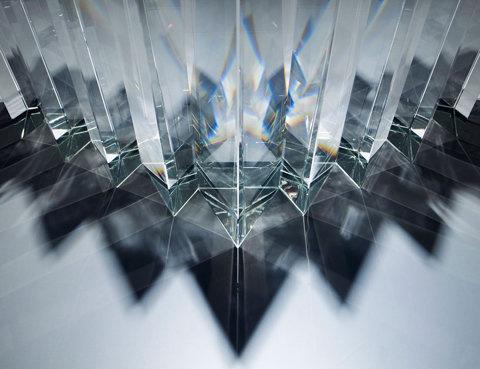 tokujin yoshioka at museum of contemporary art, tokyo #glas #light #prism