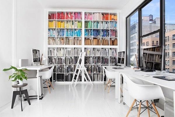 Office Space that inspires // Офис пространство, което вдъхновява | 79 Ideas #white #office #books #clean #minimal #library #eames
