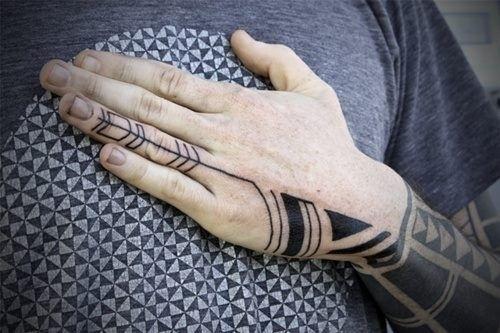 409013_3360690820768_1382949559_n.jpg 500×333 pixels #tribal #american #indian #tattoo #hand