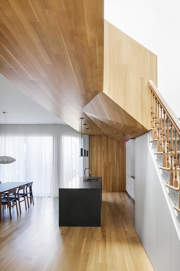 La Casa – Inspired and Elegant Wooden Surfaces / MXMA Architecture & Design