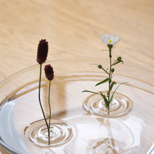 """CJWHO ™ (""""Floating Vase / RIPPLE"""" is their first...) #creative #amazing #vase #design #floating #ripple #clever"""