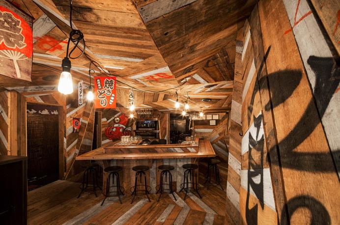 Japanese restaurant Izakaya Kinoya by Jean de Lessard - HomeWorldDesign (1) #interior #design #japan #restaurant