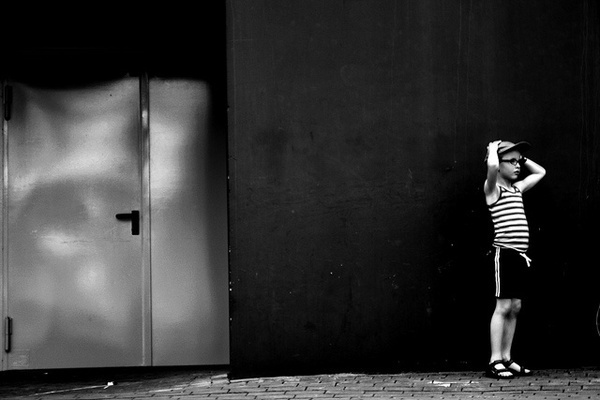 Photographer Mills Robinhood #inspiration #white #black #photography #and